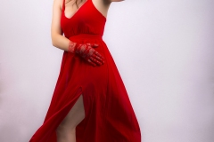MM_sara-lady-in-red